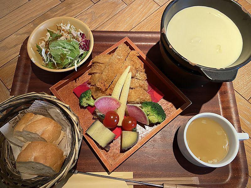 カフェ&ランチのジャンブーカのチーズフォンデュ