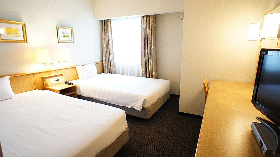 大阪ジョイテルホテルのスタンダードツインのお部屋です。