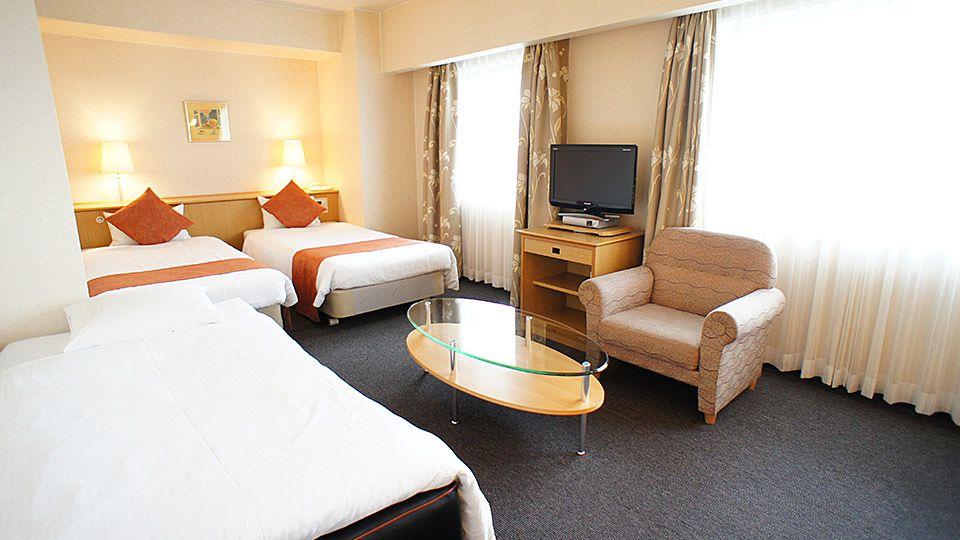 大阪ジョイテルホテルのトリプルのお部屋です。