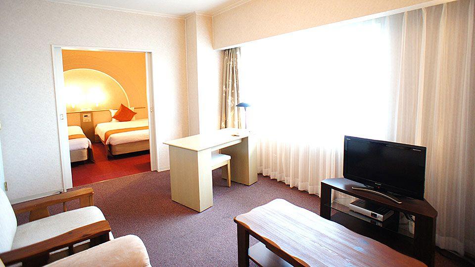 大阪ジョイテルホテルのカジュアルスイートルームのお部屋です。