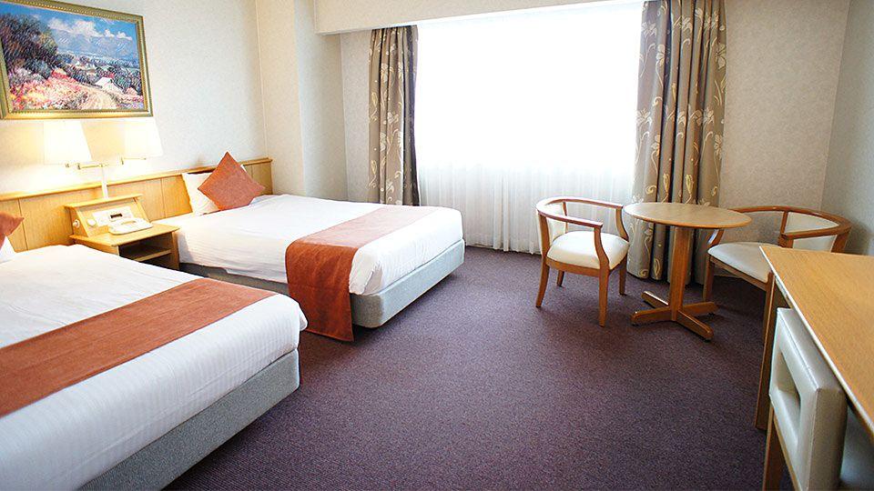 大阪ジョイテルホテルのデラックスツインのお部屋です。