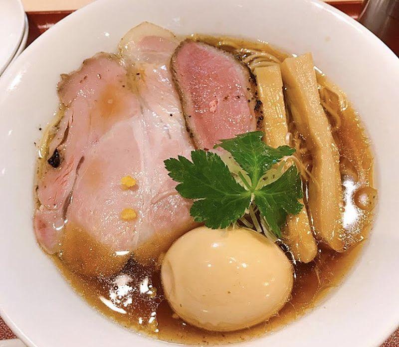 味玉紀州鴨そば+味玉トッピングラーメンの写真です。