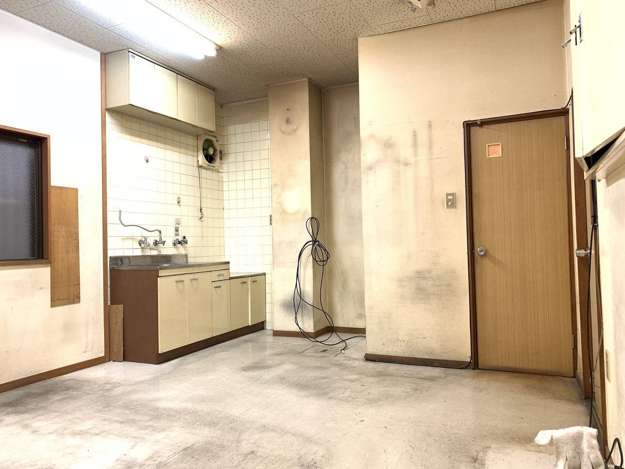 ハイツミヤコ事務所内です。