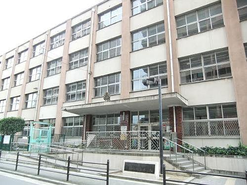 加賀屋東小学校